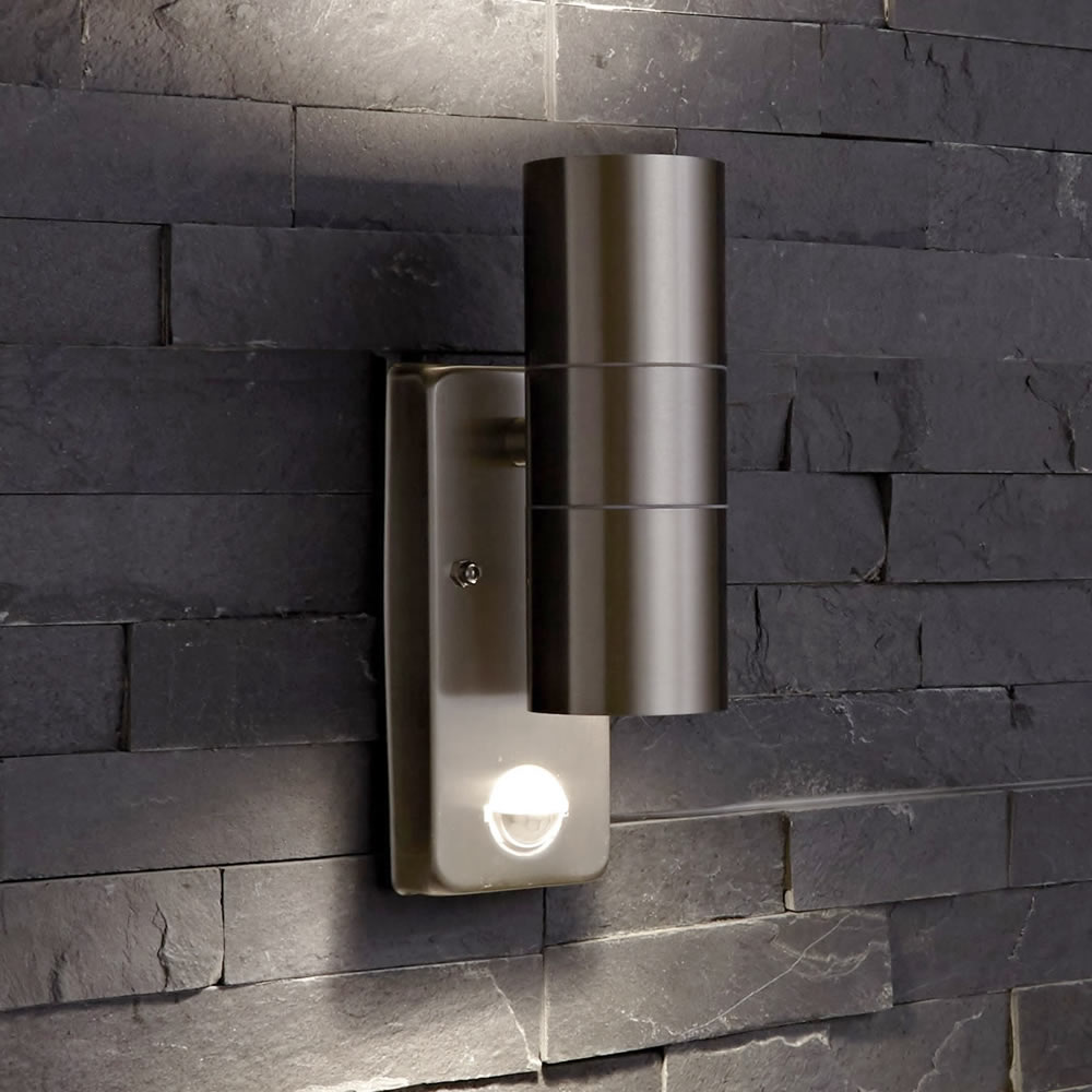 PIR WALL LIGHTS